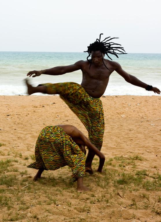 Dans på stranden